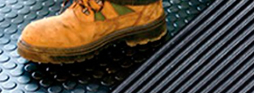 Pavimentos de goma común y caucho